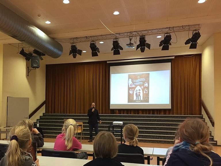 Internationaler Vorlesetag mit Hendrik Lambertus