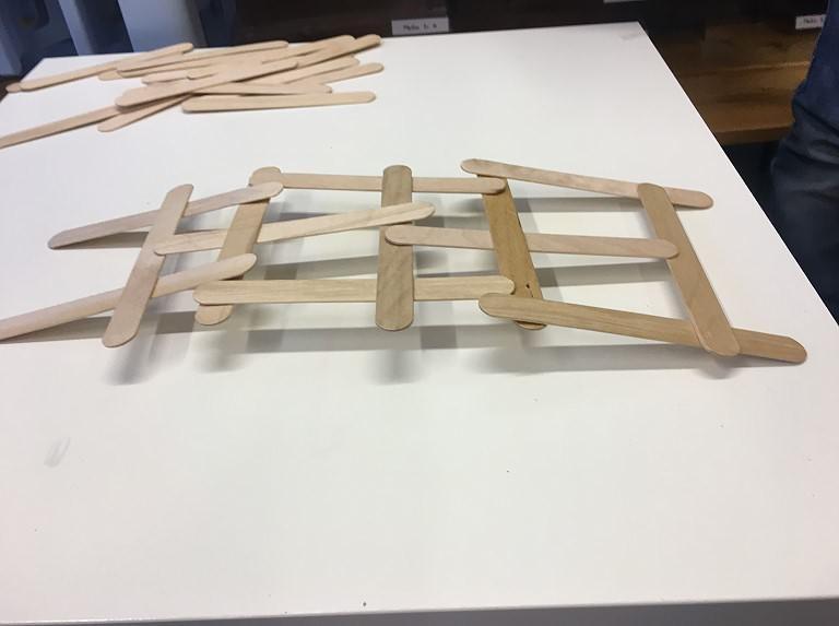 Die 3c behandelt das Thema 'Brücken'