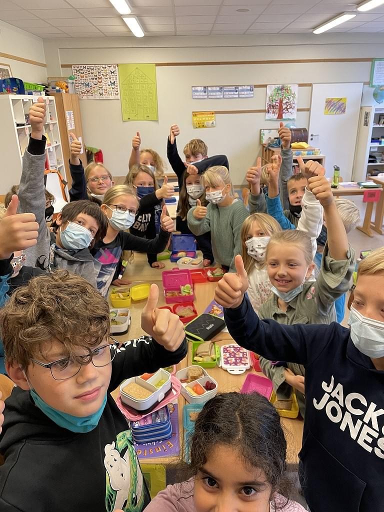 Wir sind dabei - Klimatag 24.9. - müllfreies Frühstück in der Klasse 3a!